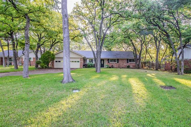 725 Kentwood Circle, Bedford, TX 76021 (MLS #14314798) :: The Mitchell Group