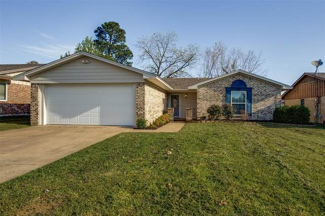 2725 Shawn Drive, Denison, TX 75020 (MLS #14314975) :: The Kimberly Davis Group