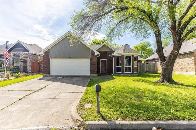 818 Xavier Drive, Arlington, TX 76001 (MLS #14315207) :: RE/MAX Pinnacle Group REALTORS