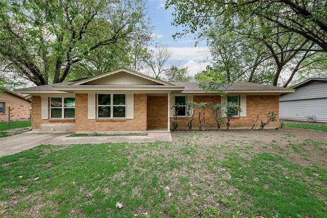 1300 Austin Drive, Ennis, TX 75119 (MLS #14315237) :: The Kimberly Davis Group