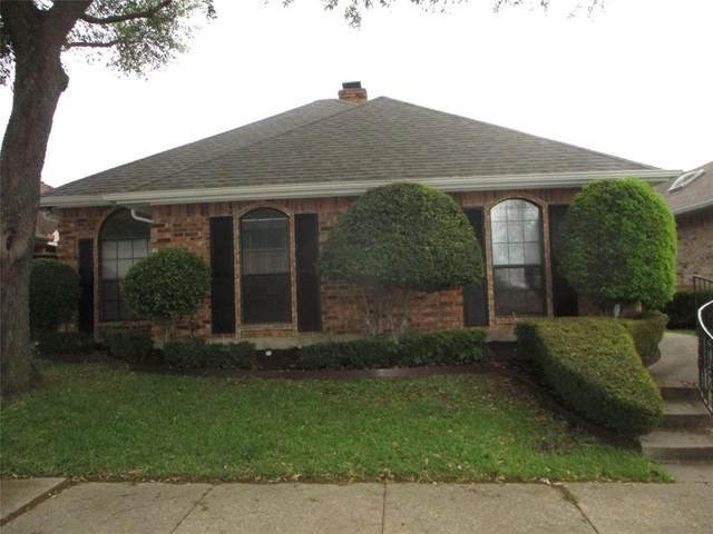 724 Ashbrook Drive, Desoto, TX 75115 (MLS #14315288) :: Tenesha Lusk Realty Group