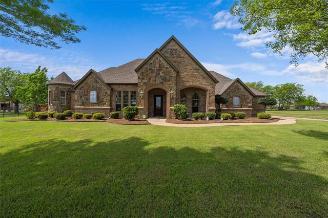 13025 Willow Crossing Drive, Fort Worth, TX 76052 (MLS #14315518) :: The Kimberly Davis Group