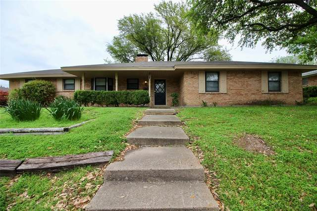 816 Vince Lane, Desoto, TX 75115 (MLS #14315617) :: Tenesha Lusk Realty Group