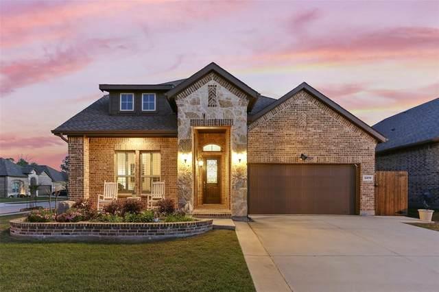 2216 Corsair Lane, Denton, TX 76210 (MLS #14315782) :: The Chad Smith Team