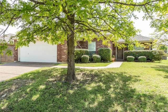 5025 Stonecrest Drive, Mckinney, TX 75071 (MLS #14315974) :: Tenesha Lusk Realty Group