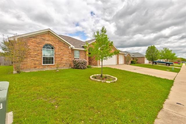 548 Marybeth Drive, Burleson, TX 76028 (MLS #14316034) :: The Chad Smith Team