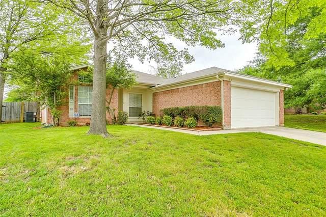636 Cumberland Drive, Burleson, TX 76028 (MLS #14316066) :: The Chad Smith Team