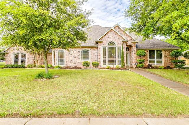 1058 Cardinal Ridge Road, Burleson, TX 76028 (MLS #14316198) :: All Cities USA Realty