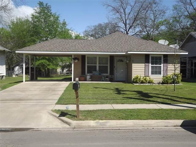 118 W 10th Street, Bonham, TX 75418 (MLS #14316212) :: Trinity Premier Properties