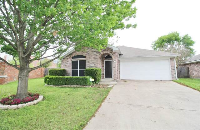 3001 Scenic Glen Drive, Mansfield, TX 76063 (MLS #14316326) :: Tenesha Lusk Realty Group