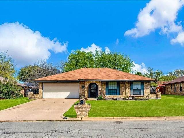 6825 Stillmeadows Circle N, North Richland Hills, TX 76182 (MLS #14316340) :: Team Hodnett