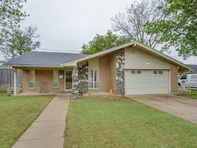 1114 Glen Loch Drive, Irving, TX 75062 (MLS #14316349) :: Justin Bassett Realty
