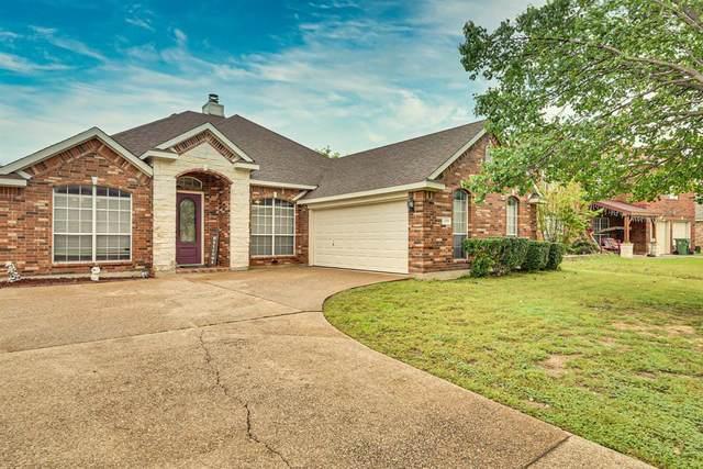 2909 Claremont Drive, Mansfield, TX 76063 (MLS #14316387) :: Tenesha Lusk Realty Group
