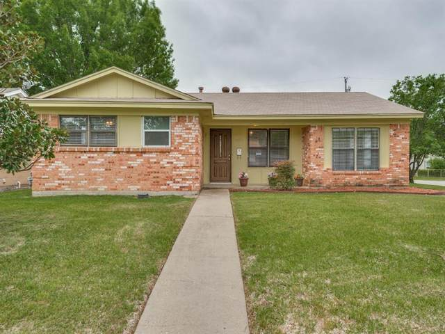 2626 Ridgewood Street, Irving, TX 75062 (MLS #14316414) :: All Cities USA Realty