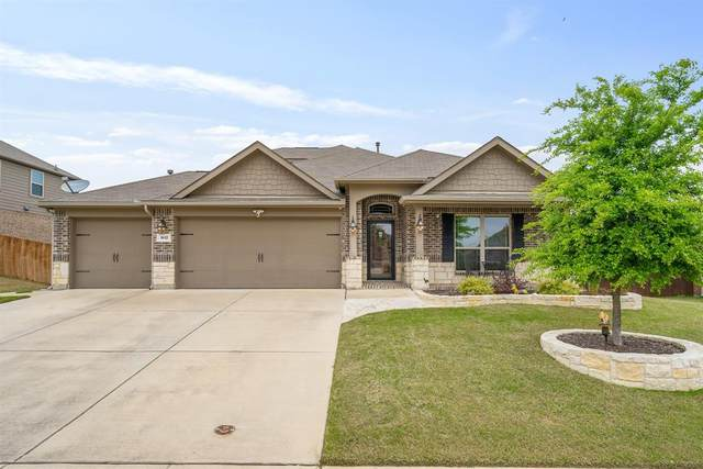 1612 Fallingwater Trail, Fort Worth, TX 76052 (MLS #14316632) :: The Kimberly Davis Group