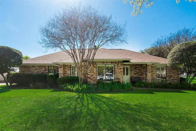 17429 Marianne Circle, Dallas, TX 75252 (MLS #14316687) :: The Mauelshagen Group