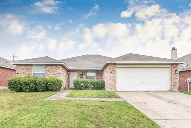2152 Edgewood Drive, Grand Prairie, TX 75052 (MLS #14316818) :: Hargrove Realty Group
