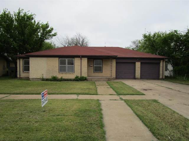 704 E Vanderbilt Street, Stamford, TX 79553 (MLS #14317135) :: The Mitchell Group