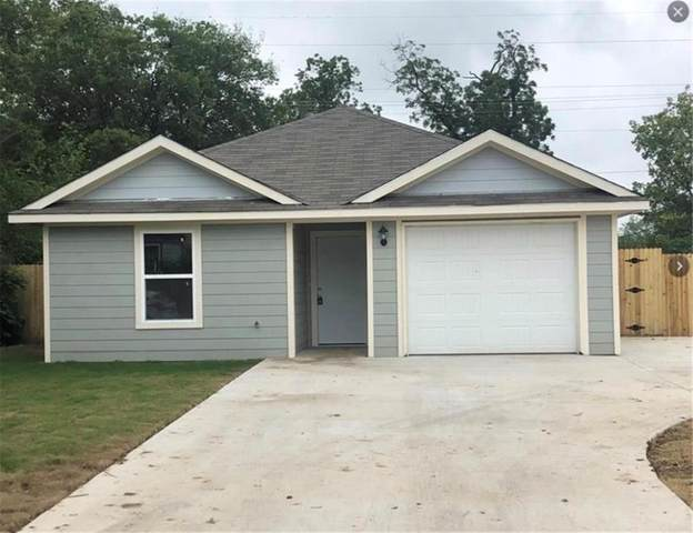 945 E Powell Avenue, Fort Worth, TX 76104 (MLS #14317820) :: The Mauelshagen Group