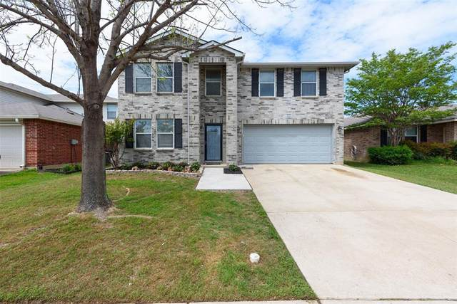 1821 Lariat Drive, Fort Worth, TX 76247 (MLS #14317847) :: The Hornburg Real Estate Group