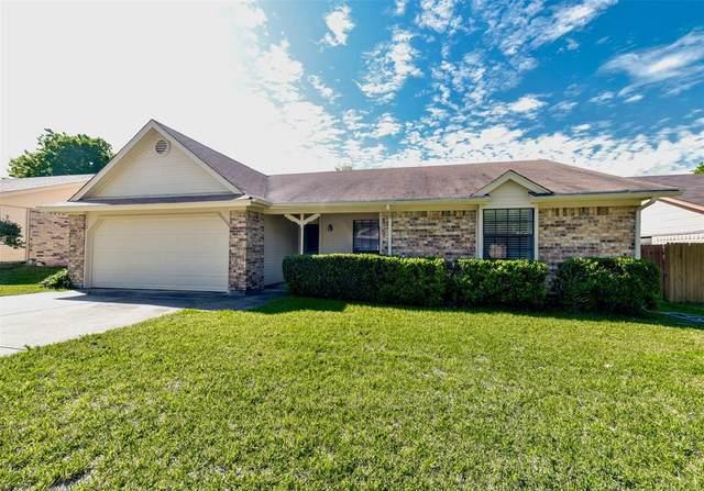 6404 Westridge Drive, Watauga, TX 76148 (MLS #14318431) :: Justin Bassett Realty