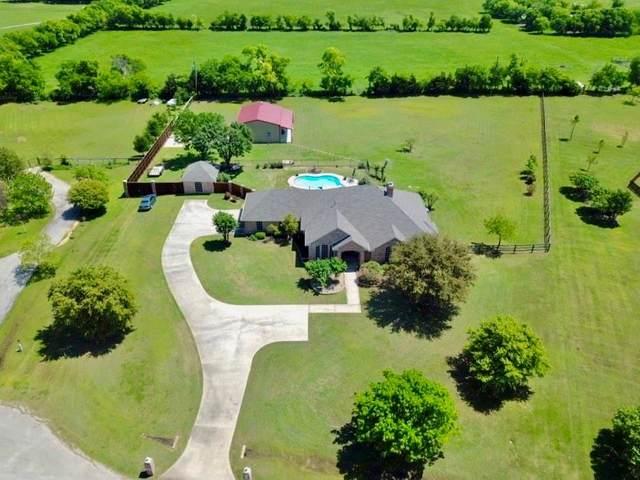 4424 Old Thomas Road, Aubrey, TX 76227 (MLS #14321138) :: Frankie Arthur Real Estate