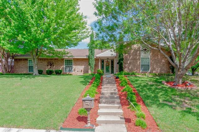 8800 Glen Hollow Drive, Fort Worth, TX 76179 (MLS #14322783) :: Real Estate By Design