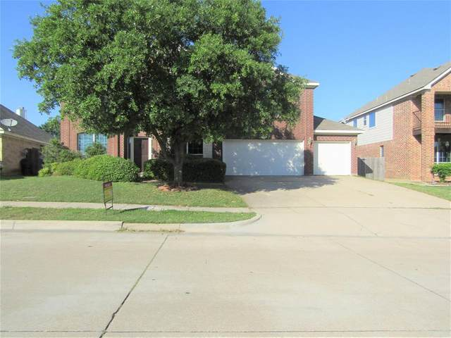 1016 Mesquite Drive, Burleson, TX 76028 (MLS #14323356) :: The Mitchell Group