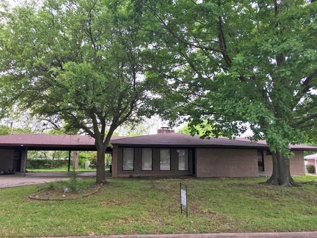 403 Mockingbird Street, Bonham, TX 75418 (MLS #14324404) :: The Mitchell Group
