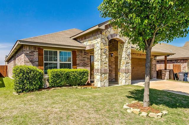 412 Prescott Lane, Fort Worth, TX 76036 (MLS #14325650) :: NewHomePrograms.com LLC