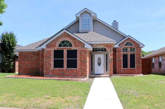 2112 Creek Royal Drive, Mesquite, TX 75181 (MLS #14330785) :: Real Estate By Design