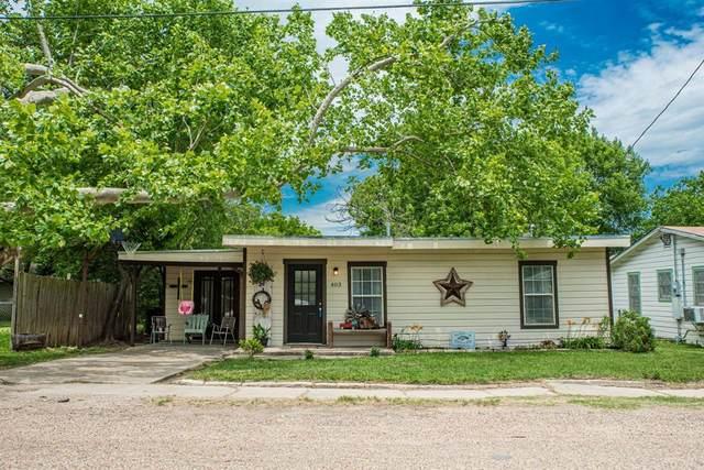 403 Walnut Street, Grandview, TX 76050 (MLS #14331016) :: The Chad Smith Team