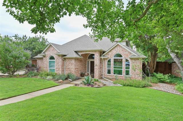 2617 Kimberly Drive, Grapevine, TX 76051 (MLS #14332863) :: Team Hodnett