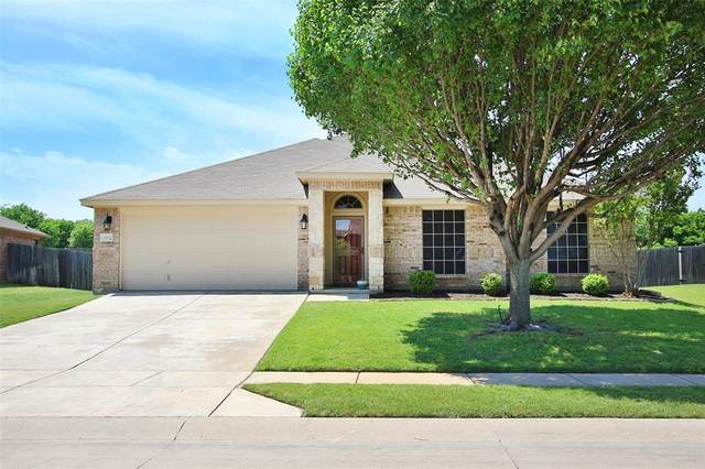 11916 Forest Lawn Road, Rhome, TX 76078 (MLS #14332919) :: The Hornburg Real Estate Group