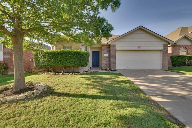 1056 Castle Top Drive, Haslet, TX 76052 (MLS #14333145) :: The Hornburg Real Estate Group