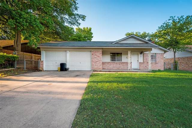 817 E Mustang Street, Crowley, TX 76036 (MLS #14333449) :: The Mitchell Group