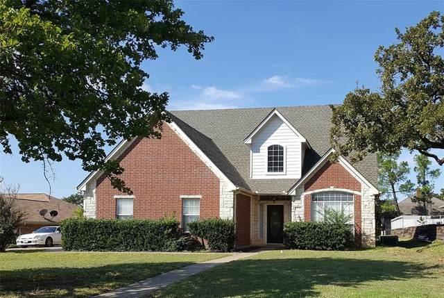 702 John Thomas Drive, Keene, TX 76059 (MLS #14334309) :: The Kimberly Davis Group