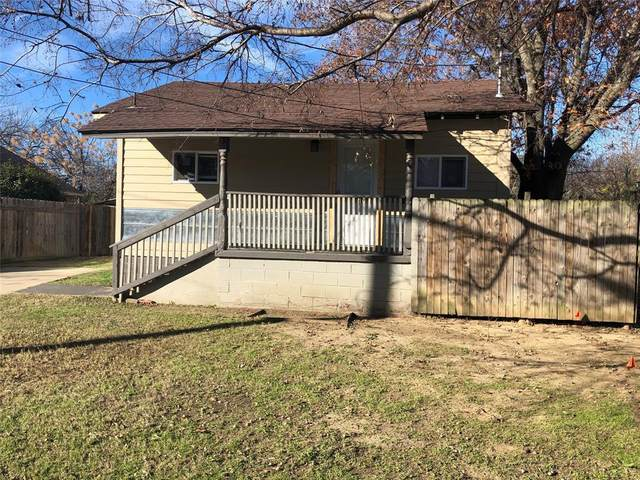 306 S Crawford Street, Denton, TX 76205 (MLS #14334653) :: Tenesha Lusk Realty Group