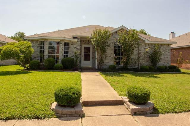 2112 Emerald Oaks, Mesquite, TX 75181 (MLS #14335383) :: Real Estate By Design
