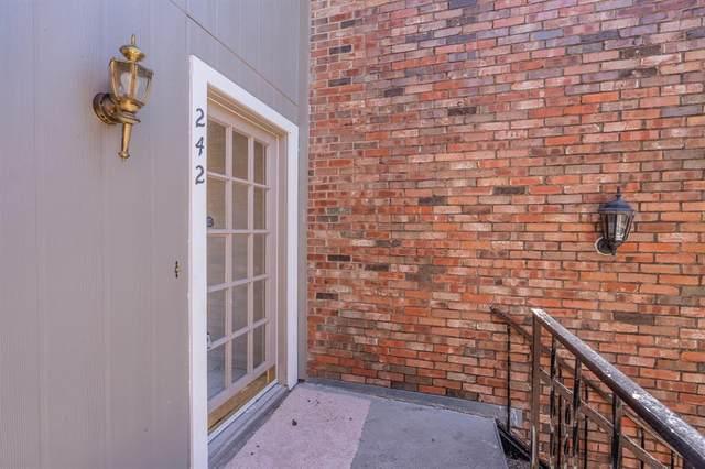 2721 Copper Creek Drive #242, Arlington, TX 76006 (MLS #14337360) :: RE/MAX Pinnacle Group REALTORS