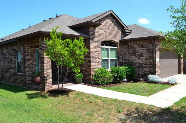 1113 Monticello Drive, Azle, TX 76020 (MLS #14337408) :: Real Estate By Design