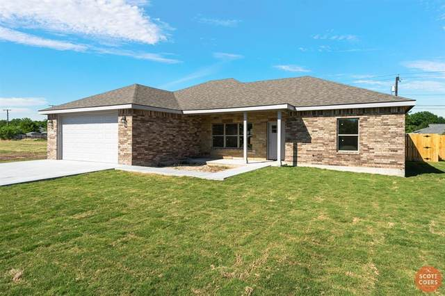 2102 Brooke Lane, Brownwood, TX 76801 (MLS #14337425) :: Century 21 Judge Fite Company