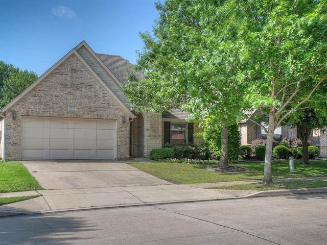 9925 Rolling Hills Drive, Fort Worth, TX 76126 (MLS #14338453) :: Potts Realty Group