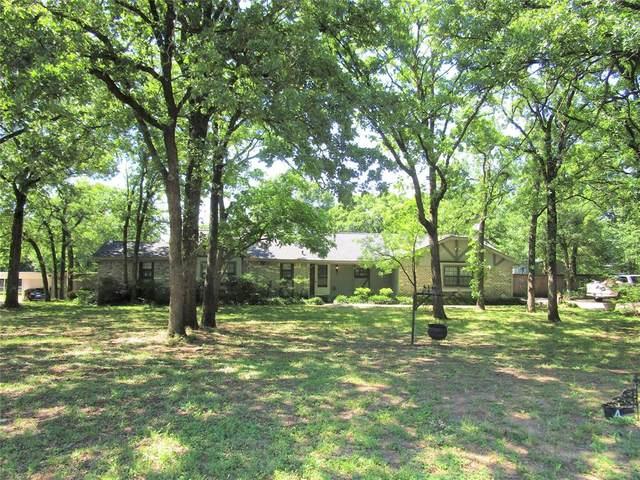 4 Larkwood Lane, Burleson, TX 76028 (MLS #14339395) :: NewHomePrograms.com LLC