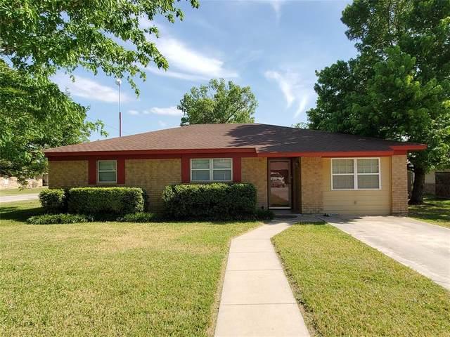 1009 Terrace Drive, Bangs, TX 76823 (MLS #14339923) :: Century 21 Judge Fite Company