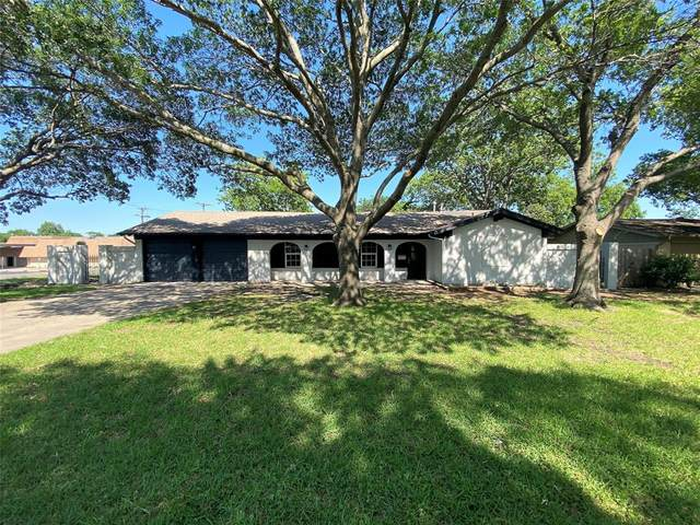 3801 Burkett Drive, Benbrook, TX 76116 (MLS #14341004) :: Potts Realty Group