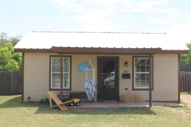 833 Sycamore Street, Abilene, TX 79602 (MLS #14341092) :: The Mauelshagen Group