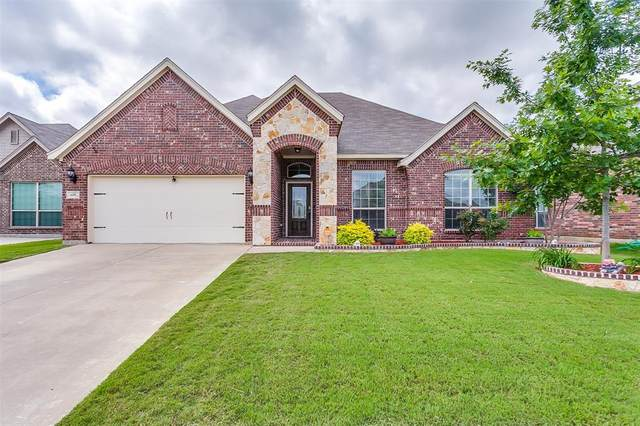 658 Plum Drive, Burleson, TX 76028 (MLS #14341400) :: All Cities USA Realty