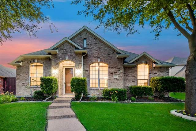 905 Blazing Star Drive, Garland, TX 75043 (MLS #14341956) :: The Hornburg Real Estate Group