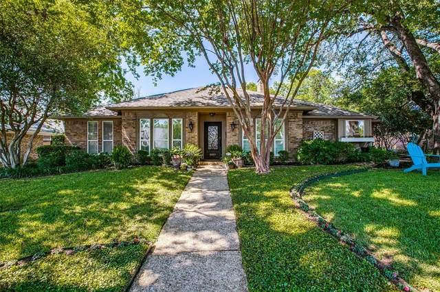 8807 Kenton Drive, Dallas, TX 75231 (MLS #14342953) :: Potts Realty Group